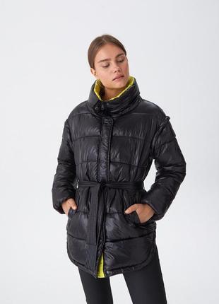 Новая женская тёплая куртка жилетка с поясом и высоким воротни...
