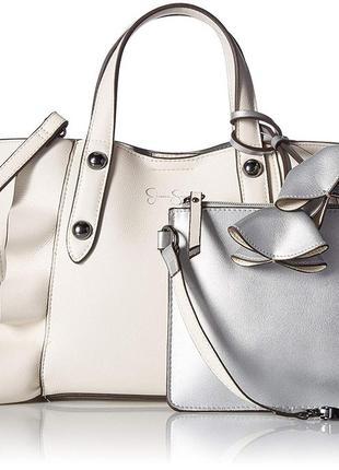 Очень красивая сумочка с рюшками