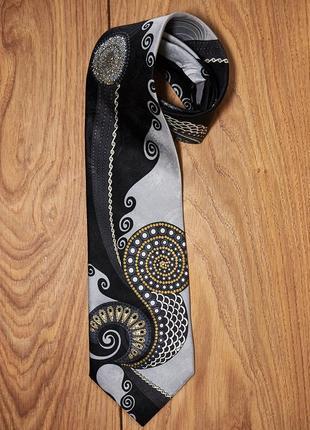 Брендовый шелковый галстук.