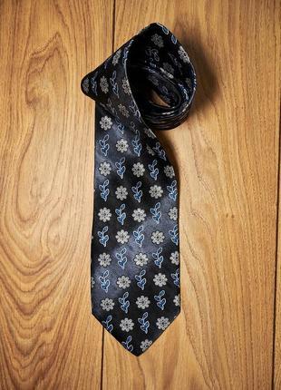 Шелковый брендовый галстук.