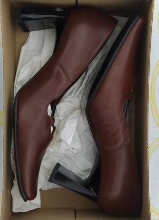 Нові жіночі шкіряні туфлі 36 розмір