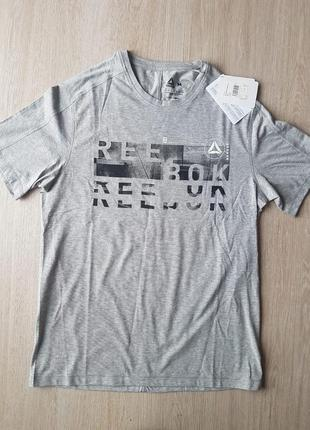 Нова футболка reebok m