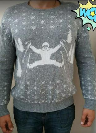 Свитер новогодний олени с символикой лыжник ugly sweater