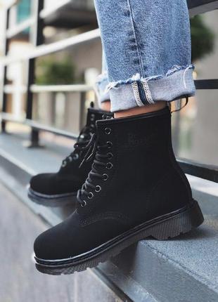 Шикарные женские зимние ботинки dr. martens 1460 black nubuck