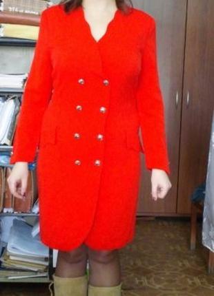 Красное женское платье, офисный и деловой вариант 50р-р.
