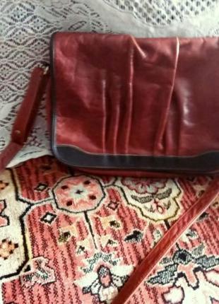 Кожаная сумка-портфель ,кроссбоди с длинной ручкой.