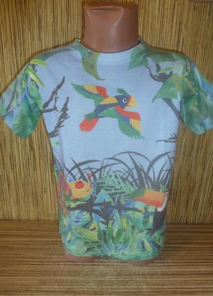 Яркая футболка на 4-5 лет