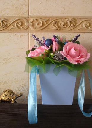 Композиция-коробка с цветами-конфетами! Красиво и вкусно.Handmade