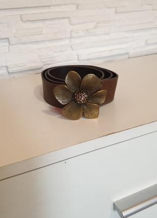 Кожаный ремень с пряжкой цветком oasis