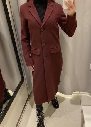 Бордовое двубортное пальто пальто с шерстью reserved есть размеры