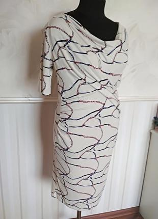 Красивое трикотажное платье на подкладке, размер 48-50.