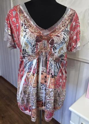 Интересная трикотажная блуза со стразиками  размер м, наш 48-50.