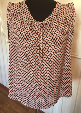 Легкая блуза размер 50-52.