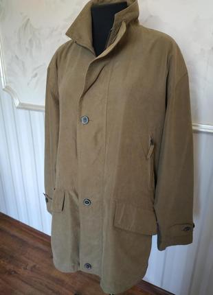 Мужская легкая  куртка на подкладке размер 52-54.