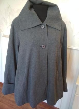 Стильное укороченное пальто -колокольчик, размер 52-54.