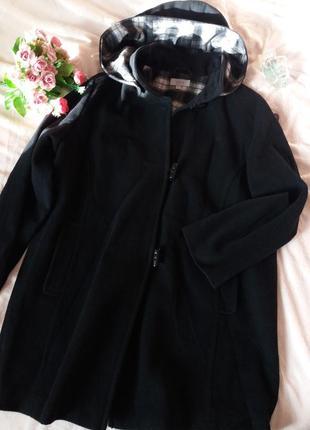 Отличное брендовое демисезонное пальто с капюшоном, 52-56разм....