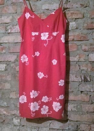 Платье с цветами.