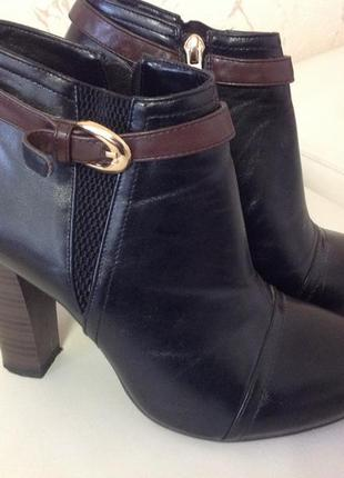 Классные ботинки на высоком каблуке , размер 39-40