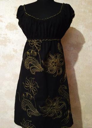 Льняное платье  с вышивкой, размер s