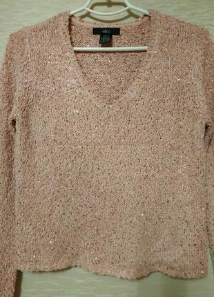 Красивый свитер с паэтками  нежно -розового  цвета , размер 42...