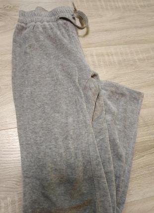 Классные спортивные штанишки на девочку 128-134