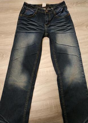 Очень красивые стильные джинсы , украшены паэтками на девочку ...