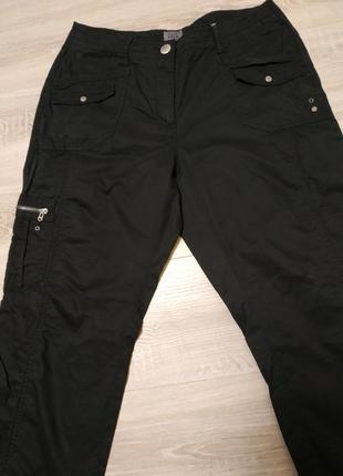 Классные натуральные брюки, насыщенного темно- синего  цвета ,...