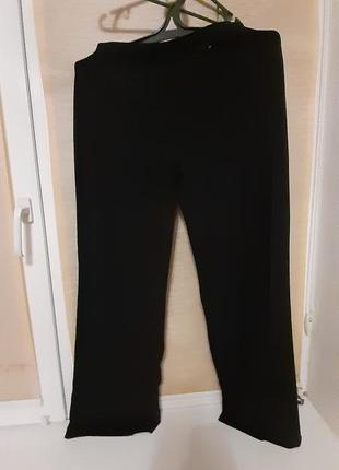 Очень классные трикотажные брюки  насыщенного чёрного цвета,  ...
