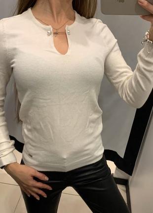 Белый свитер с жемчугом свитерок кофта mohito есть размеры