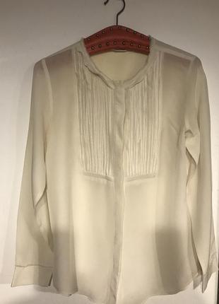Шелковая блузка цвета айвори