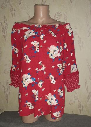 Топ 3/4 рукав с открытыми плечами красный в цветочный принт