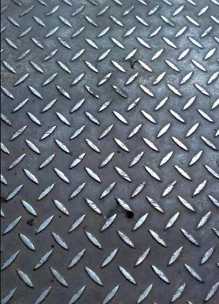 Лист, рифленый, металлический, толщина 4 мм