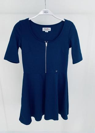 Платье с молнией на груди