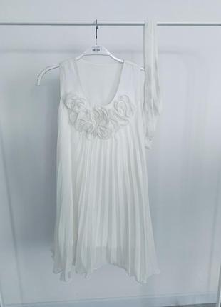Роскошное белое шифоновое платье