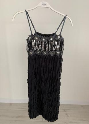 Красивое платье в паетку