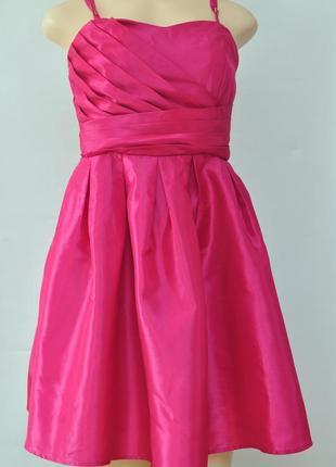 Платье цвета фуксии со съемными бретелями ниже колен, размер m