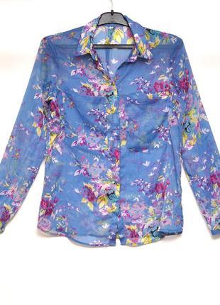 Милая блузка с цветочным принтом