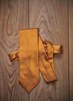 Стильный шелковый галстук  винтажный veuve clicquot вдова клико.