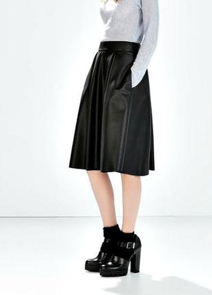 Фирменная юбка миди с карманами 100%кожа раз.м