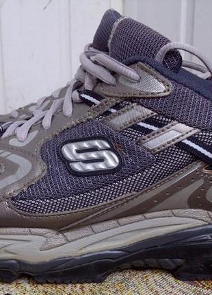 Кроссовки с ортопедической подошвой skechers shape-ups