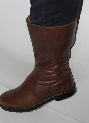 Sisley - кожаные стильные женские сапоги 40 р.(26см)