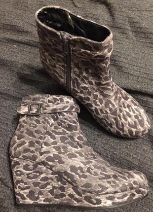 Vox ботильоны ботинки леопардовые замшевые на танкетке платформе