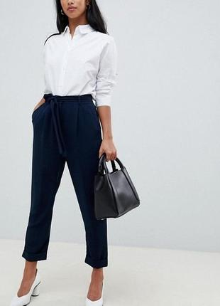 Стильные льняные штаны с высокой талией