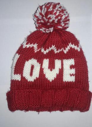 Теплая шапка love