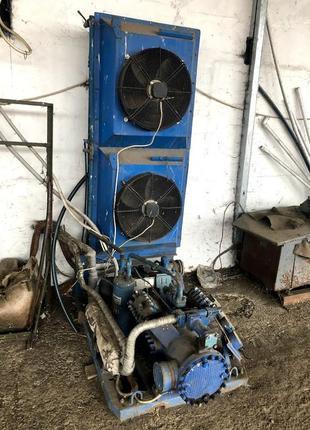 Холодильное оборудование, компрессоры 4 шт.