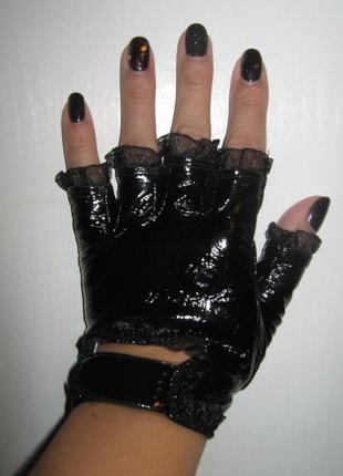 Дарю перчатки лак без пальчиков с рюшами из фатина с кружевом ...