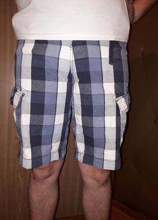 Яркие шорты на резинке