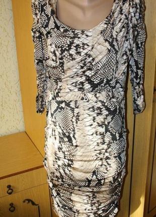 Стильное платье змеиный принт, трикотаж масло м