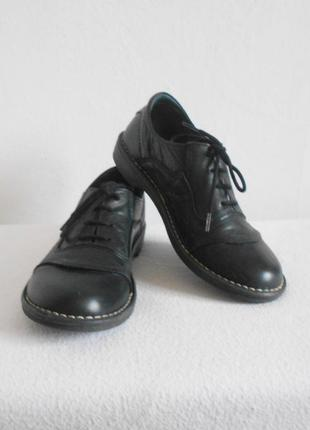 Закрытые кожаные туфли на шнурках ixoo