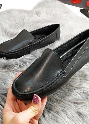 Натуральные черные туфельки